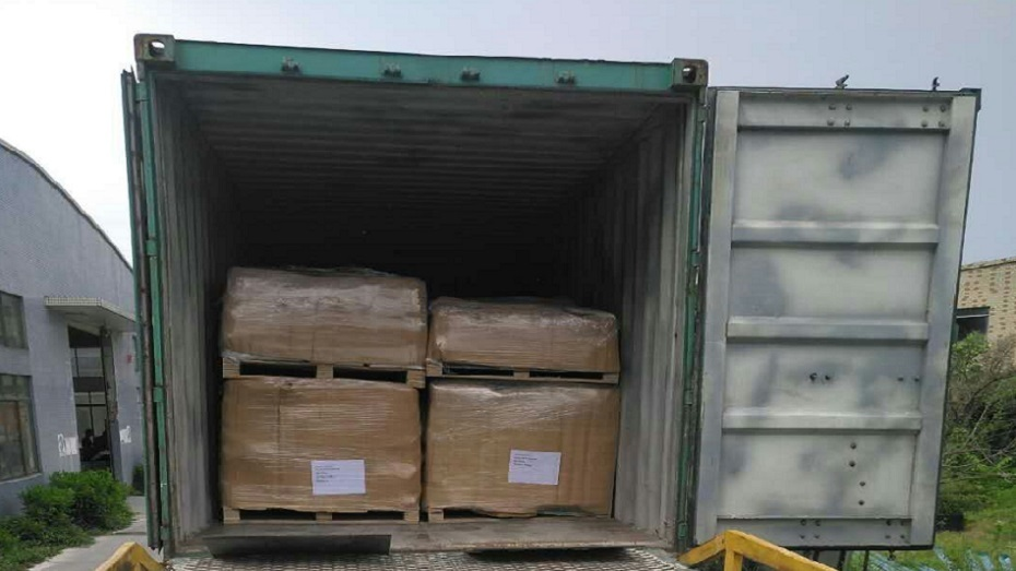 Mix 15 product items for living container house into 20 feet container delivered to Uruguay